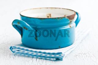 blue rusty pot