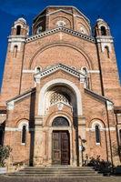 padua, italien - 19.03.2019 - fassade und portal einer alten Stadtkirche
