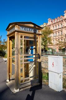 alte Telefonzelle in Karlovy Vary