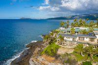 Luxury housing at Portlock spitting cave near Waikiki on Oahu