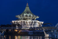 Gebäude des Parlaments von Sarawak, Sarawak Fluss, Kuching, Sarawak, Borneo, Malaysia