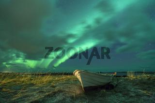 Polarlichter über dem Strand