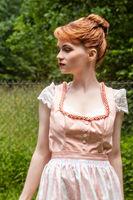 Porträt einer bayerischen jungen Frau