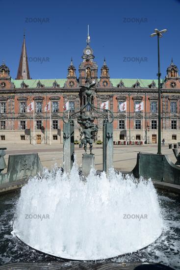 Rathaus und Brunnen in Malmoe