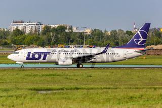 LOT Polskie Linie Lotnicze Boeing 737-800 Flugzeug Flughafen Warschau