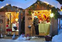 Weihnachtsmarkt in Ettal / Bayern im Schnee
