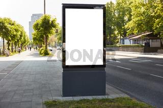 Leeres City Light Poster in deutscher Stadt