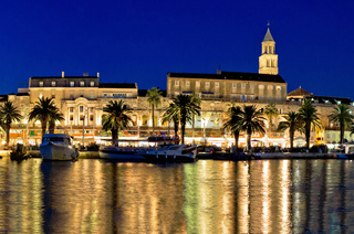 Amazing Split waterfront evening panorama