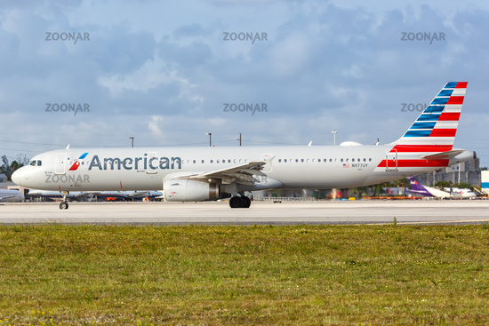 American Airlines Airbus A321 Flugzeug Flughafen Miami