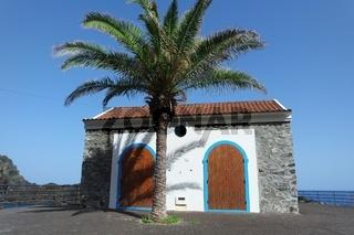 Madeira, Seixal. Haus am Hafen