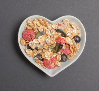 Vital Müsli in einer weißen Schale für die Foodfotografie