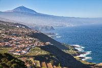 Der Inselnorden der Kanareninsel Teneriffa mit einem Blick auf den Pico del Teide