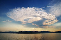 Cumulonimbuswolke vor der Ligurischen Küste