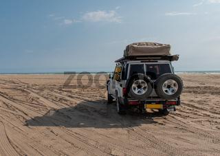 Allrad Geländewagen in der Sandwüste Namibia Südafrika