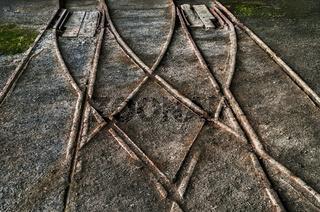 Die alten Gleise einer Bergwerksbahn