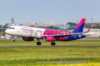 Wizzair Airbus A321 Flugzeug Flughafen Warschau
