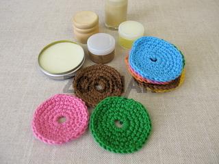 Gehäkelte, wiederverwendbare, waschbare Kosmetikpads aus Wolle