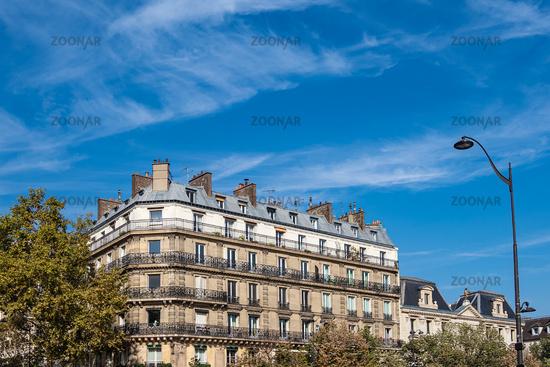 Blick auf ein Gebäude in Paris, Frankreich