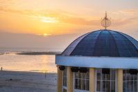 Sonnenuntergang am Musik Pavillon von Borkum