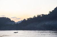 Sonnenuntergang am Nam Khan Fluss, Luang Prabang, Laos