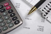 Finanzen und Kalkualtion mit Rechner