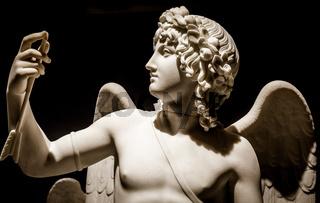 Cupid Triumphant - Bertel Thorvaldsen, 1822 antique statue in marble