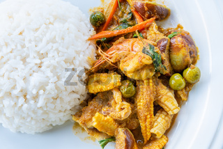 Shrimp green curry fried with rice