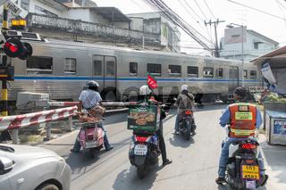 THAILAND BANGKOK THONBURI TRAIN