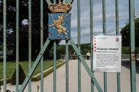 Warnhinweis wegen Corona im Schlossgarten Weilburg