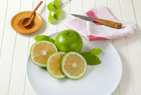 Sweetie fruit (green grapefruit, pomelit)