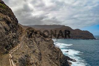 Wanderweg zwischen Playa de La Caleta und Punta San Lorenzo - La Gomera