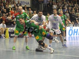 polnischer Handballer Bartosz Jurecki SC Magdeburg Spiel gegen HSV Handball Bundesliga Saison 13/14