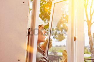 Fenster montieren beim Hausbau