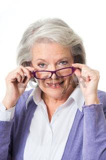 Ältere Frau mit Brille