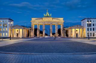 Panorama des beleuchteten Brandenburger Tores