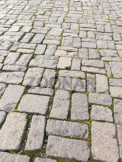 Straßenpflaster in quadratischer Anordnung