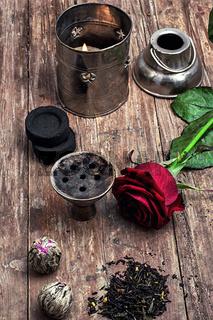 hookah and dry elite tea leaves