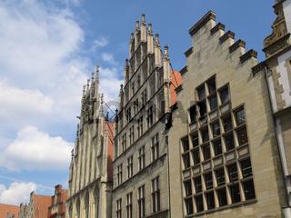 Münster - Häuserzeile mit dem Historischen Rathaus am Prinzipalmarkt, Deutschland