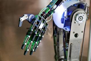 KI_Roboterhand_09.tif