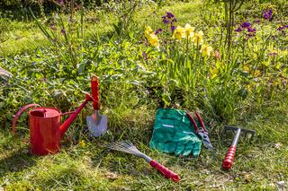 Gartenarbeit im Frühling, Gardening in spring