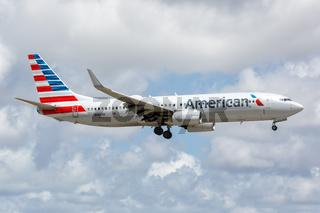 American Airlines Boeing 737-800 Flugzeug Flughafen Miami