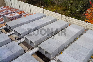 Construction of inter-storey floors during construction of an apartment building. Empty floors.