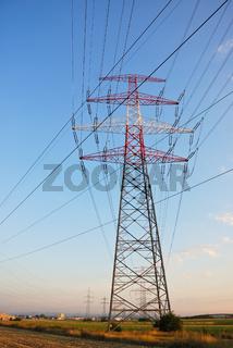 Strommast überland