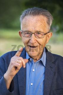 Admonishing pensioner