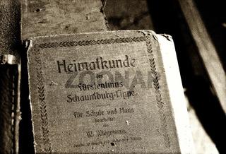 Heimatkunde-Buch