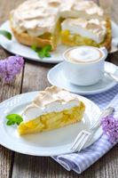 Rhaberberkuchen mit Cappuccino