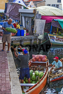 Loading Melons Willemstad Curacao