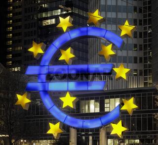 Euro statue, Frankfurt am Main, Hessen, Germany
