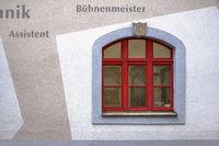Fassadendetail des Freiberger Theaters