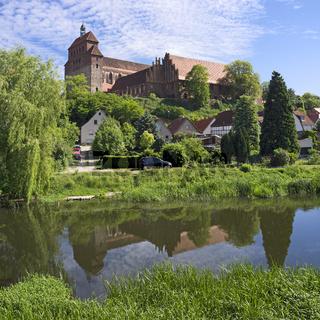 Stadtgraben vor Havelberger Dom, Havelberg, Sachsen-Anhalt, Deutschland, Europa